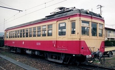 福島交通飯坂線 モハ1210・1211_e0030537_23112942.jpg