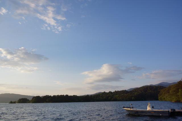 湖畔にて_a0257652_17542680.jpg
