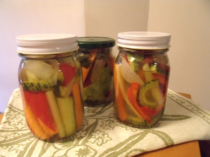 夏野菜のピクルス_b0282654_2313137.jpg