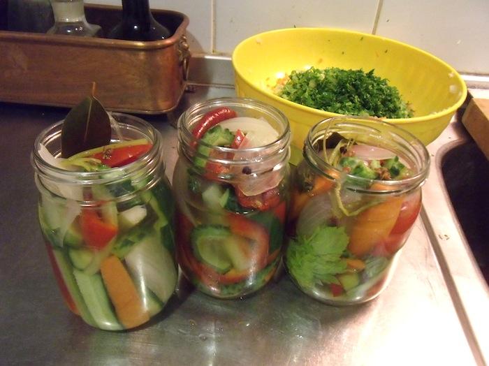 夏野菜のピクルス_b0282654_2313440.jpg