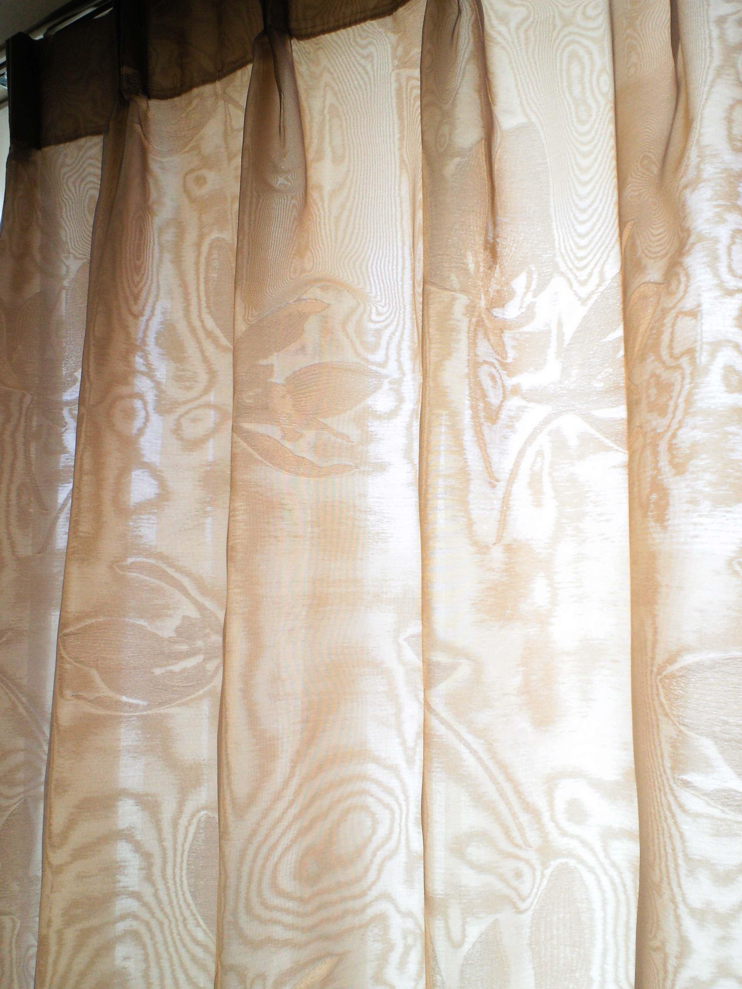 マンションの窓にフジエのカーテン_c0157866_1837596.jpg