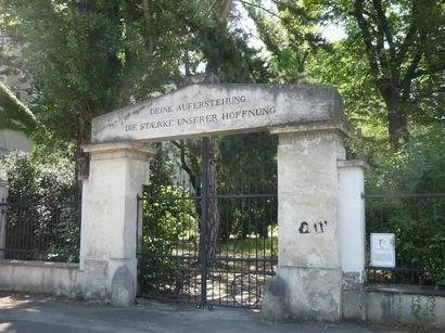「ベートーヴェンとシューベルトの墓参」_a0280569_23303155.jpg