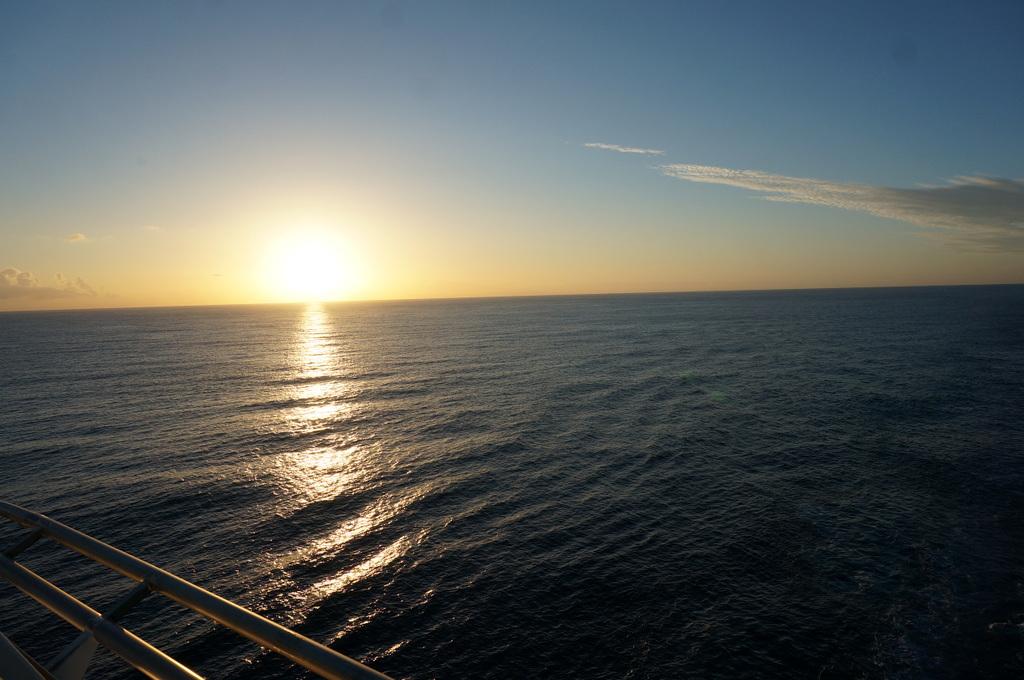 リスボンの夜明け、そして日没。_c0180686_01454807.jpg