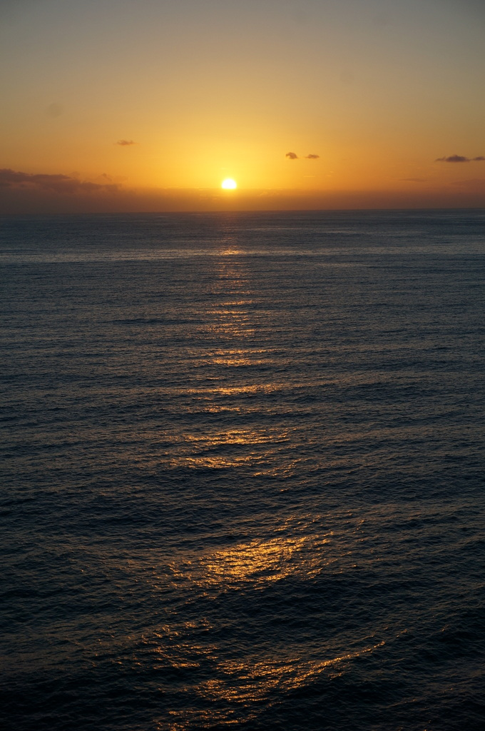 リスボンの夜明け、そして日没。_c0180686_02010279.jpg