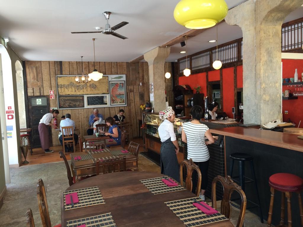 Tasca KOME リスボンの和食店。_c0180686_17492835.jpg