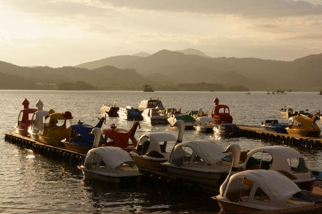 湖畔の夕暮_a0257652_1658364.jpg