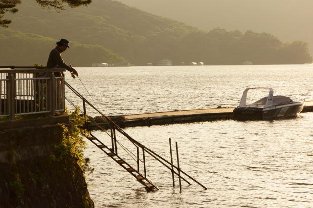 湖畔の夕暮_a0257652_1659016.jpg