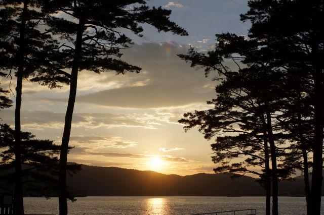 湖畔の夕暮_a0257652_1659233.jpg