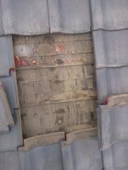 練馬区の早宮で瓦差し替え工事_c0223192_22235942.jpg