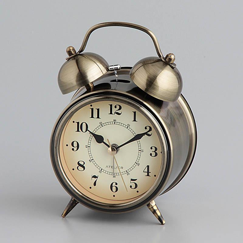 ダサい紫色の目覚まし時計を買いました。_f0180307_16140542.jpg