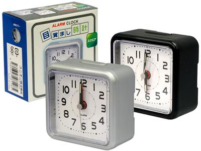 ダサい紫色の目覚まし時計を買いました。_f0180307_16165642.jpg