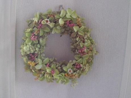 バジルグリーンの紫陽花リース②_c0207719_1643496.jpg