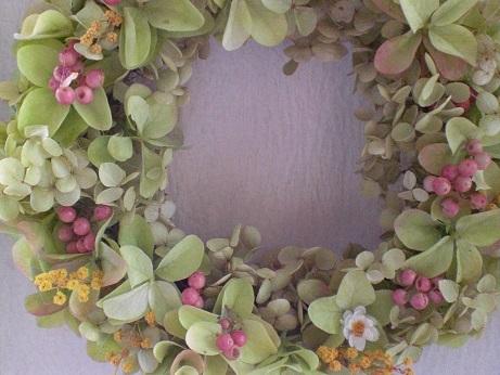 バジルグリーンの紫陽花リース②_c0207719_16441391.jpg