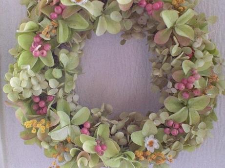 バジルグリーンの紫陽花リース②_c0207719_16444218.jpg