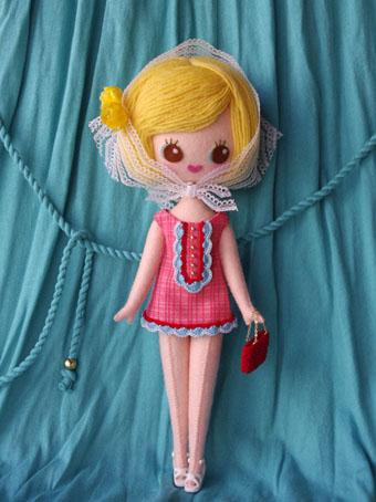 お人形やドレスセットの詳細♪_e0147421_4584858.jpg