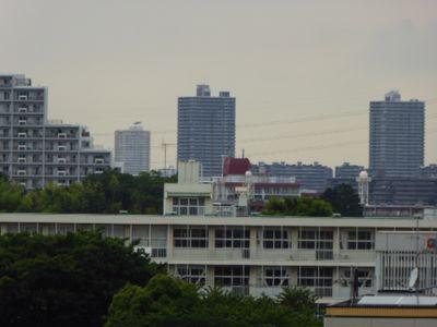 あの建物は何かしら?_a0050728_6191237.jpg