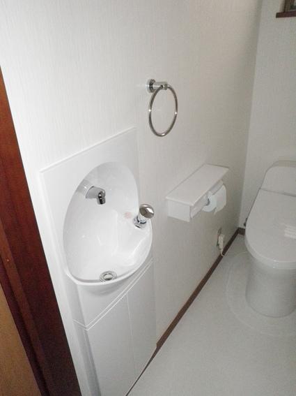 トイレの内開きドアを外開きへ変更 TOTO GG 越谷 A様邸_a0229594_12244329.jpg