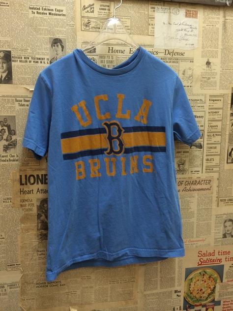 カレッジTシャツとHENRY&HENRYメッシュサンダル🎵_a0108963_1895697.jpg
