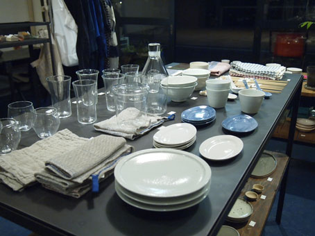 山本亮平さんのオーバルミニ皿、藍と白_b0322280_17225357.jpg