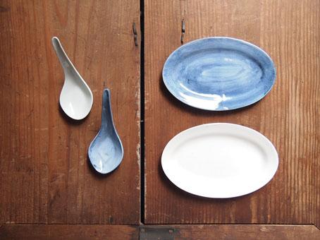 山本亮平さんのオーバルミニ皿、藍と白_b0322280_175778.jpg