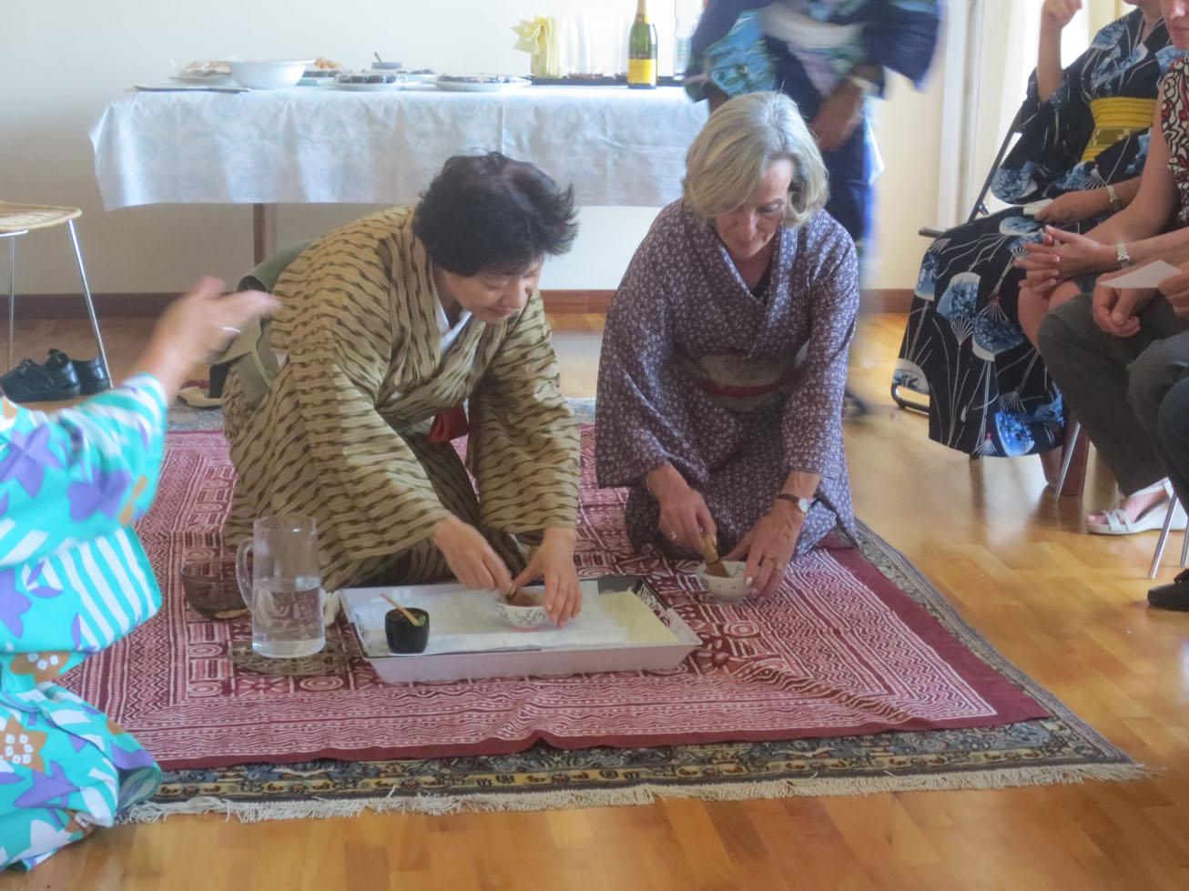 イタリア人も興味あるある〜〜!!日本文化お家フェスターお茶会編_c0179785_20222218.jpg