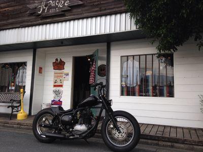 本日のバイク‼_f0194657_18365530.jpg