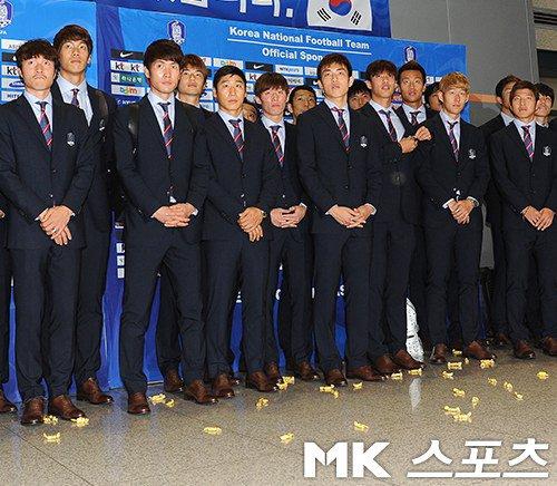 この差が凄い、日本と韓国のサッカーファン_d0061678_16233968.jpg
