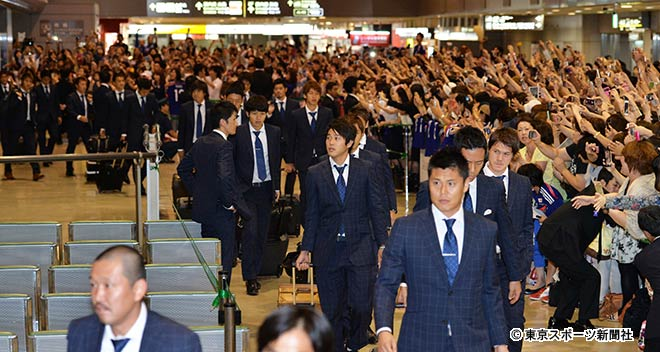 この差が凄い、日本と韓国のサッカーファン_d0061678_16281417.jpg