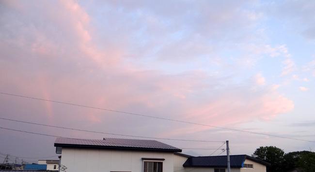 夕焼け空に小さな虹が~ ♪_a0136293_17242164.jpg