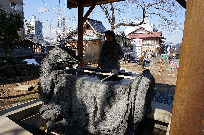 湯田中温泉の町並みと旅館群_c0112559_915393.jpg