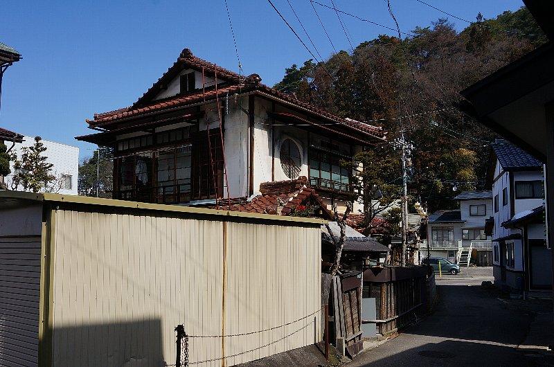 湯田中温泉の町並みと旅館群_c0112559_920342.jpg