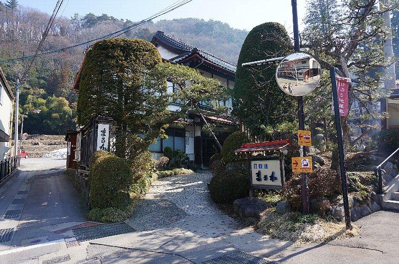 湯田中温泉の町並みと旅館群_c0112559_9212025.jpg