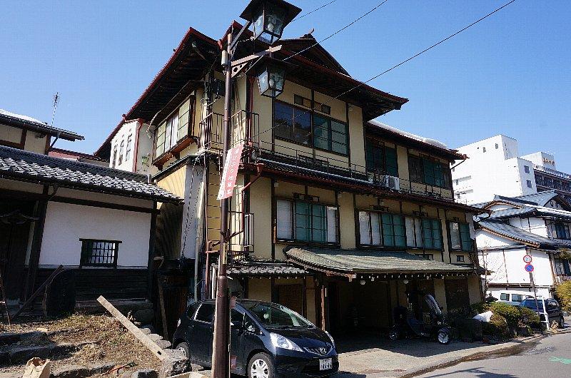 湯田中温泉の町並みと旅館群_c0112559_9242297.jpg