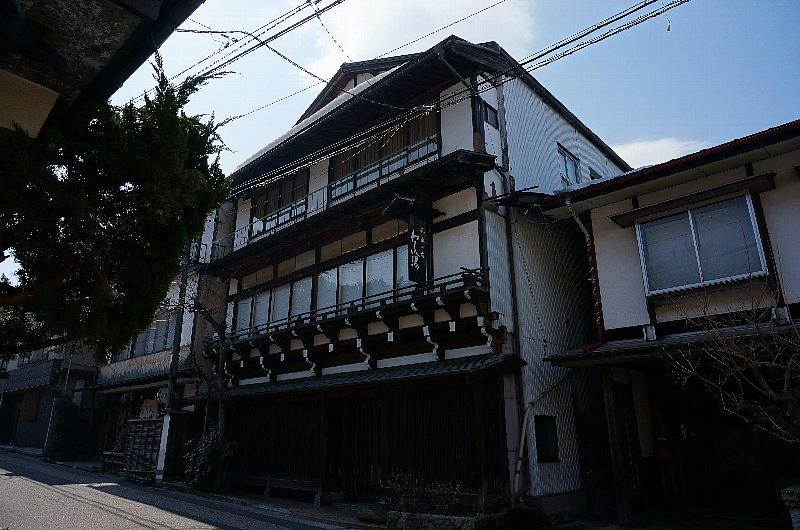 湯田中温泉の町並みと旅館群_c0112559_9304643.jpg