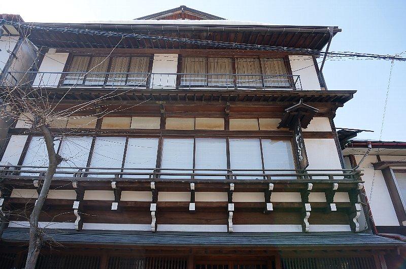 湯田中温泉の町並みと旅館群_c0112559_9305527.jpg