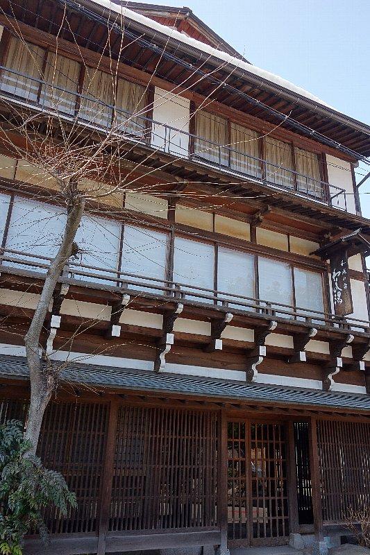 湯田中温泉の町並みと旅館群_c0112559_9311558.jpg