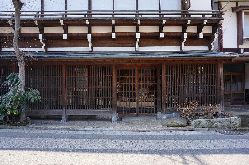 湯田中温泉の町並みと旅館群_c0112559_931577.jpg