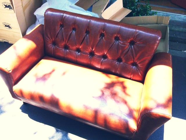 私ごとです。ソファを買いました。_d0062076_13532672.jpg