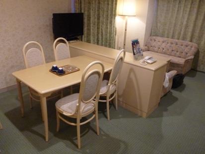 ホテルのリビング_e0077899_9293710.jpg
