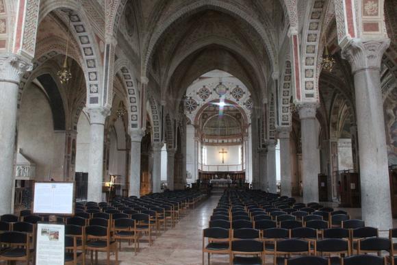 SKY140704 グィニフォルテ・ソラーリによって1469年に完成されたゴシック様式の教会である。_d0288367_19102030.jpg