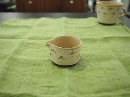 大野素子さんのマグとピッチャー、はさみ、りんご、かさ_b0322280_17125097.jpg