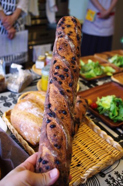 どう?このすごいフランスパン!!_e0167593_1311211.jpg