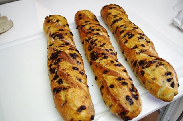 どう?このすごいフランスパン!!_e0167593_1341465.jpg