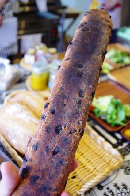 どう?このすごいフランスパン!!_e0167593_1414650.jpg
