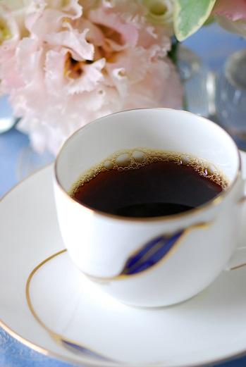 生活を楽しむ人にしか味わえない!気取って飲めば、飲むほど笑える最高級コーヒー_e0071324_16355673.jpg