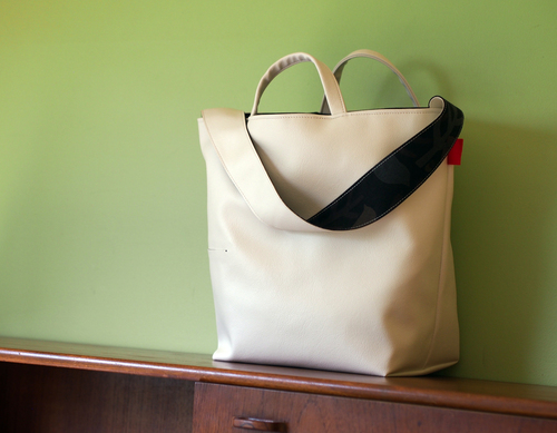 使い方広がる 2way reversible bag _e0243765_12244546.jpg
