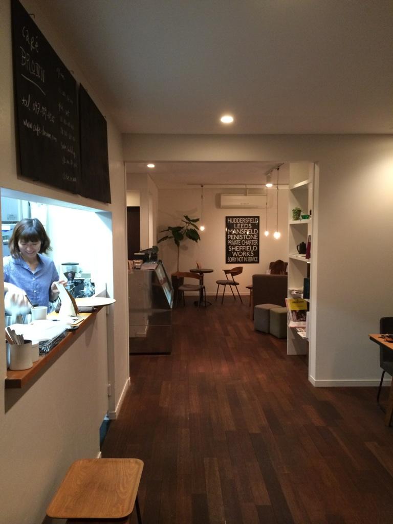 cafe BROWN_e0228408_1861495.jpg