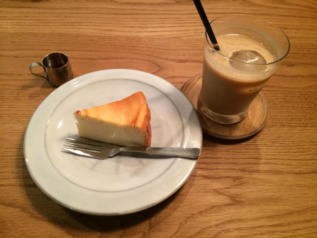 cafe BROWN_e0228408_189320.jpg
