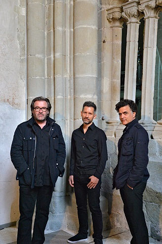 Thierry Lang - Heiri Känzig - Andi Pupato Trio 公演_a0258722_91231100.jpg