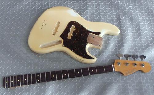 寺坂さんオーダーの「Modern J-Bass #017」の塗装完了。_e0053731_18374661.jpg